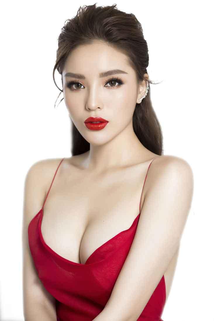 Hoa hậu Kỳ Duyên chia sẻ việc nâng ngực cùng bác sĩ Chiêm Quốc Thái